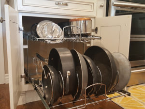 Pull-out pots and pans rack